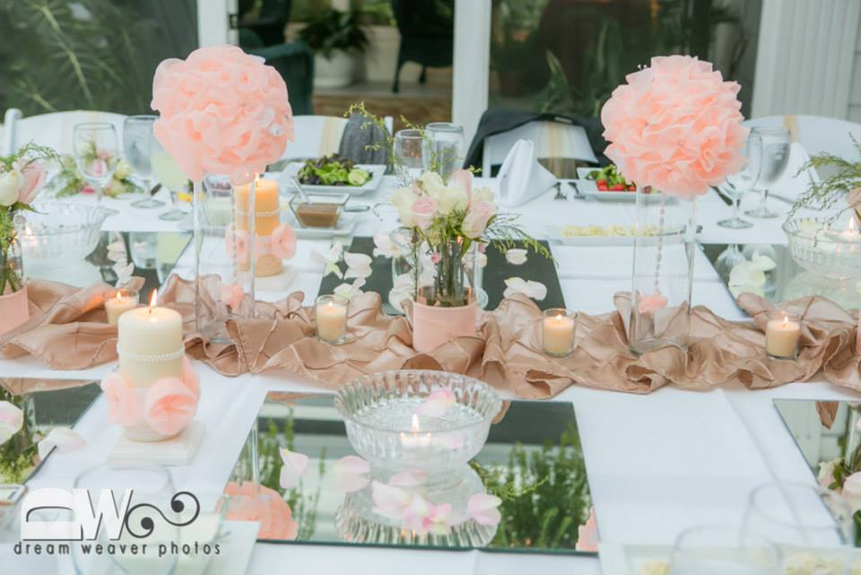 Exceptionnel Bride Groom Table Setting : See The Love And Fun Side Bride Groom Share  With One
