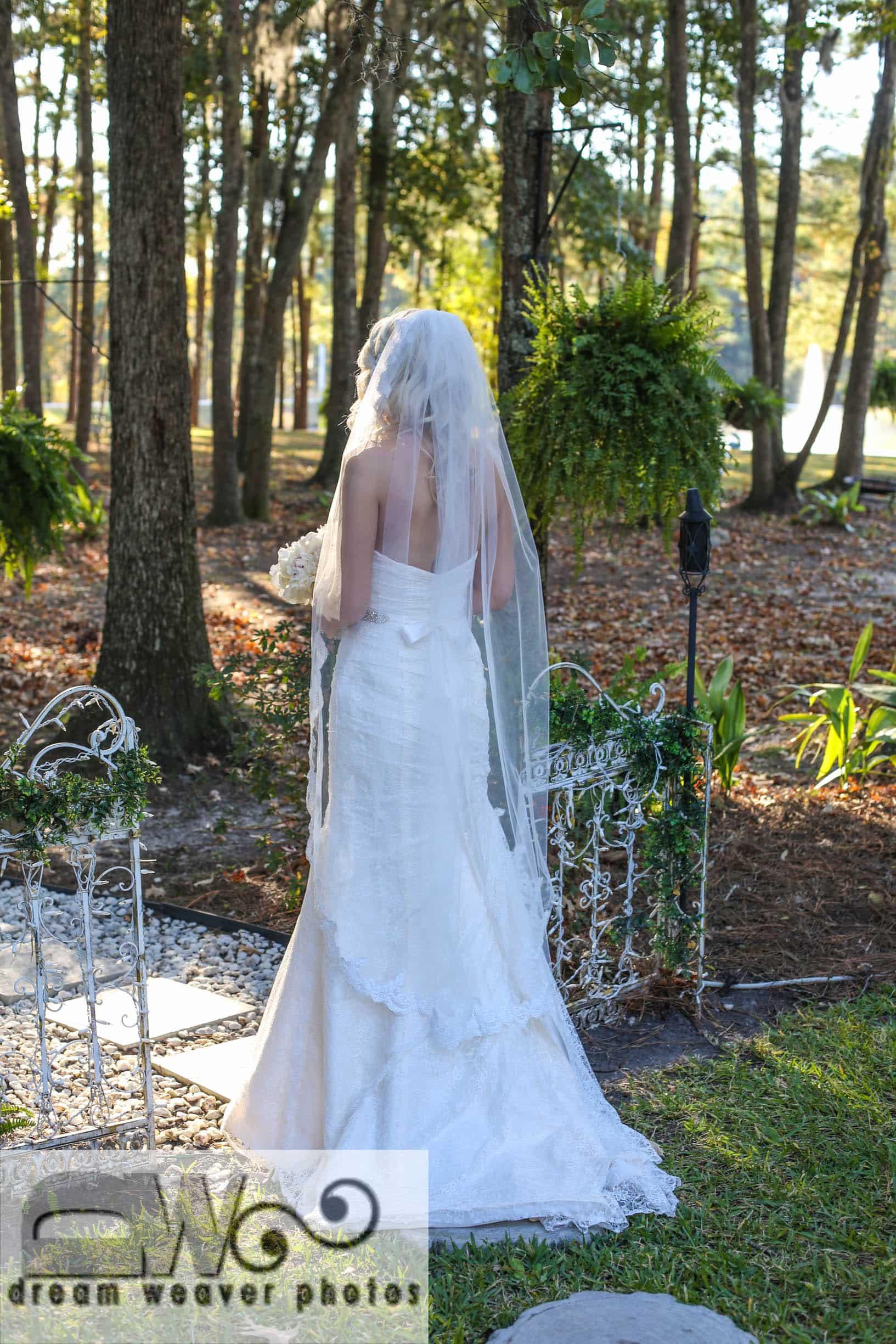 Elegant Barn Wedding Decor