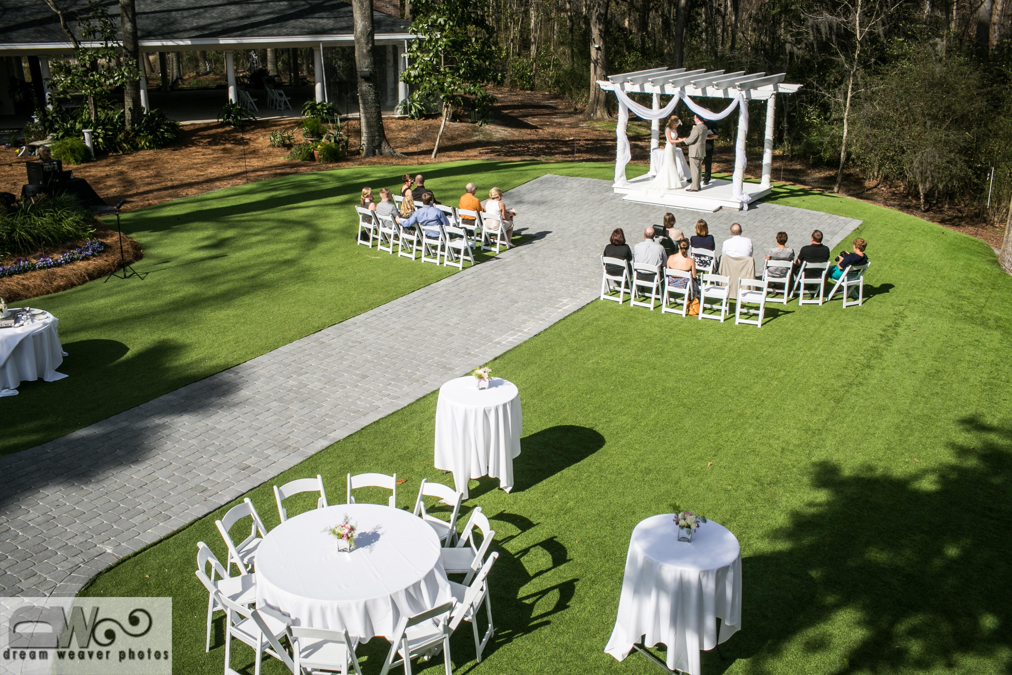 stylish spring wedding centerpiecesthe mackey house